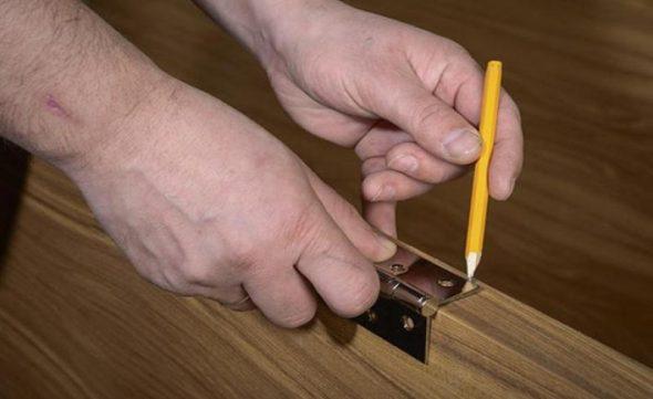разметка поверхности петель