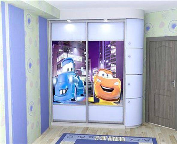 Шкаф-купе в детскую комнату Тачки
