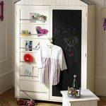 Шкаф в детской комнате