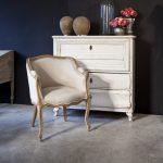 Состаренная мебель-комод в спальню