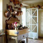 Состаренная мебель в современном стиле