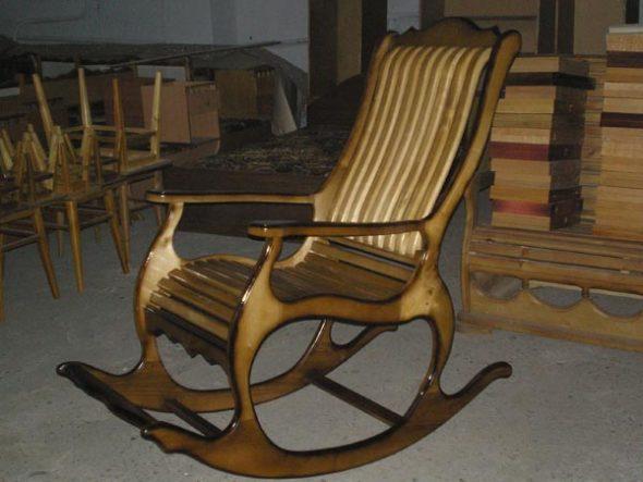 Существуют самые разные чертежи кресла из дерева своими руками