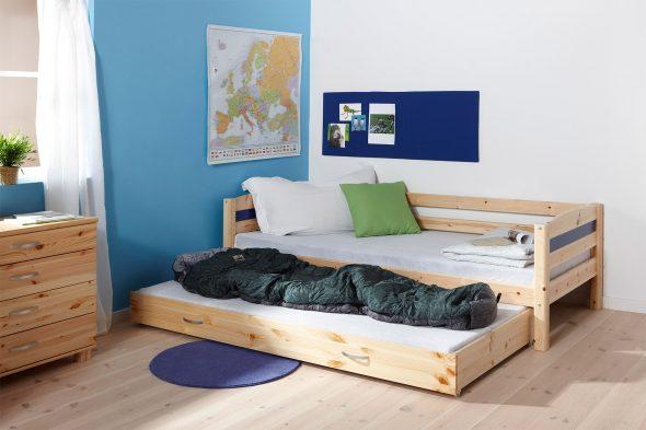 Выдвижная кровать в комнате двух братьев