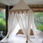 балдахин кровать на веранде