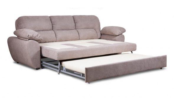 диван нежного цвета