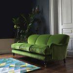 зеленый диван современный