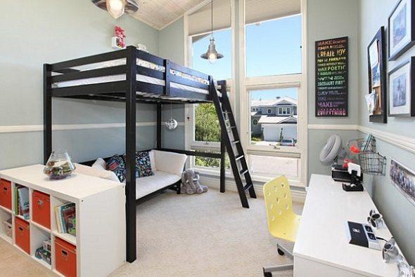 комната подростка с кроватью чердаком