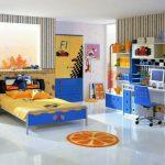 комната подростка яркая мебель