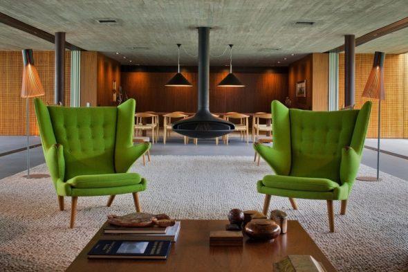 зеленые английские кресла