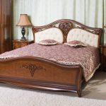 кровать деревянная из массива