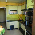 кухня яркая