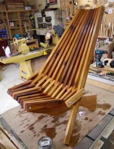 оригинальное кресло из дерева