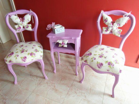 приведены отличные примеры оживления комнаты при помощи стульев