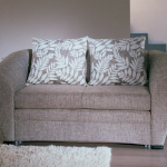 кресло кровать с подушками