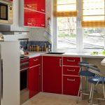 кухня красная глянцевая
