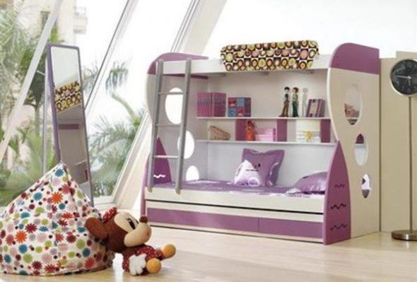Бело-сиреневая кровать для девочки