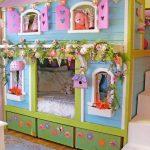 Двухъярусная кровать-домик для девочек