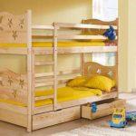Двухъярусная кровать из массива дерева ( натуральное дерево )