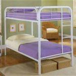 Двухэтажная кровать из металла
