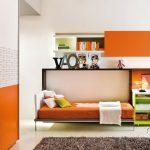 Яркая кровать встроенная в шкаф