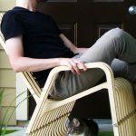 кресло качалка и кот