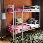 Металлические двухъярусные кровати в детскую