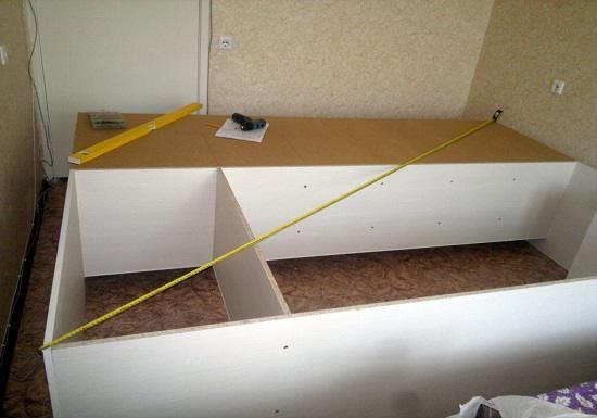 Обязательно замеряем диагонали красивого шкафа