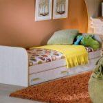 Односпальная кровать с выдвижными ящиками-подойдёт и ребенку и взрослому