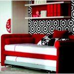 Подростковая кровать диван в интерьере