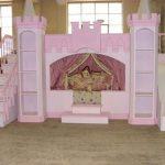Сказочная двухъярусная кровать для девочек с диваном и горкой