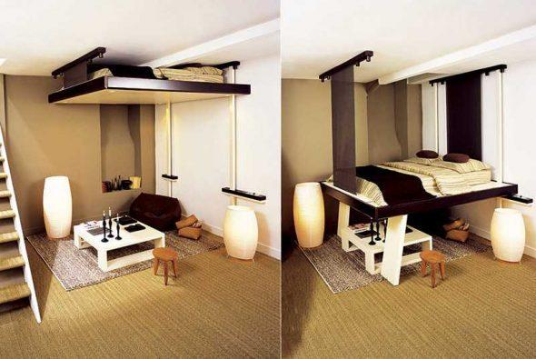 Спальное место опускается из-под потолка
