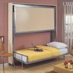 Стены двухъярусная кровать