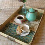 столик для завтрака в интерьере