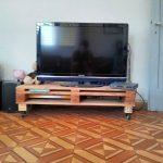 Тумба под телевизор из паллет