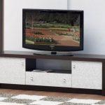 Тумбочка под телевизор в гостиную