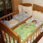 детская кроватка для двойни из натурального дерева