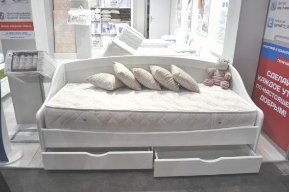 кровати такой длины предлагают для подростков