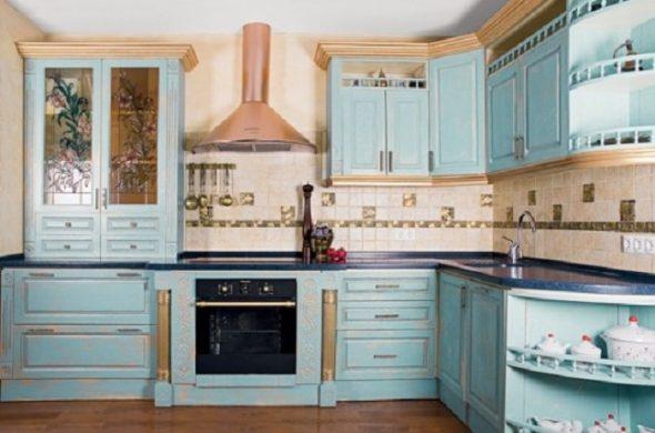 мебель для кухни голубая с патиной
