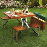 практичный столик для отдыха семей