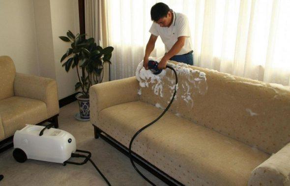 средства для чистки дивана
