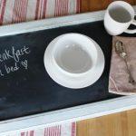 столик для завтрака с бортиками