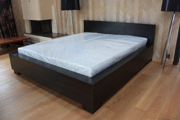 выбрать матрас для кровати фото