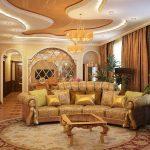 золотая обивка дивана