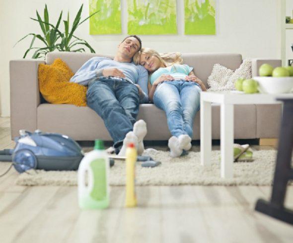 Чистка дивана-процес