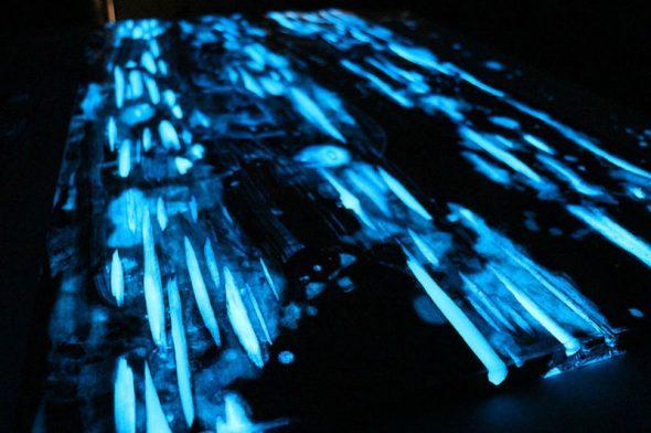 Для изготовления светящегося нужно взять кипарисовые доски