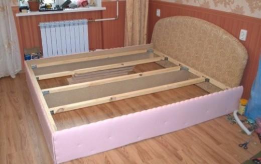 Двуспальная кровать-каркас
