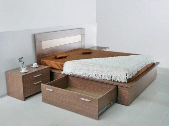 Двуспальная кровать с ящиками без направляющих