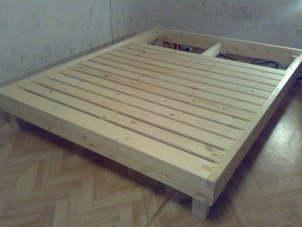 Двуспальная кровать своими руками фото