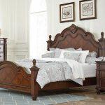Мебель из дерева для спальни