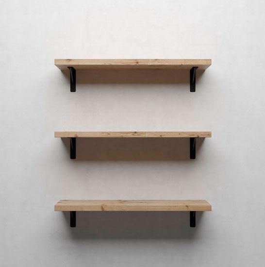 Простая деревянная полка для книг